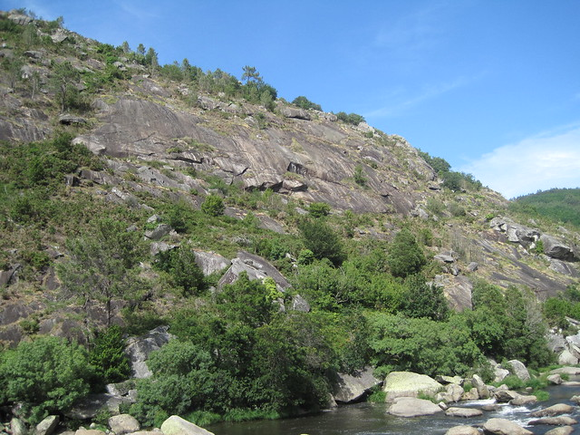 Río Tambre en el área recreativa Central Hidroeléctrica del Tambre