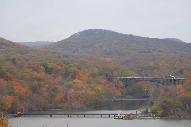 日, 2015-11-01 09:19 - View from Bear Mountain Bridge