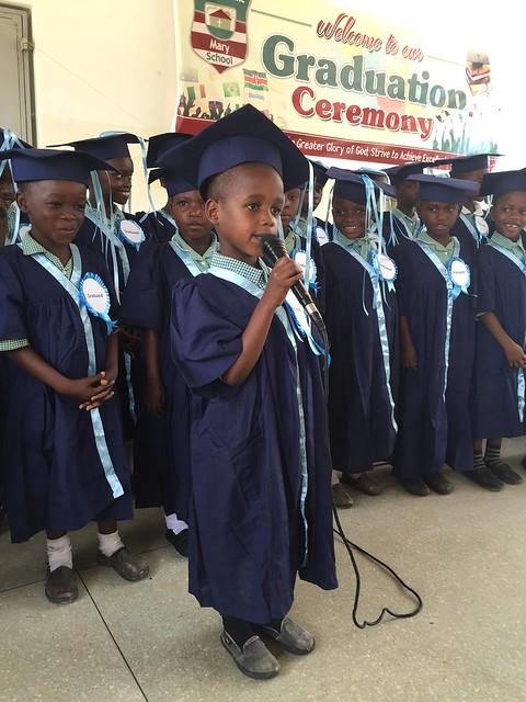 Eamon introduces KG3 singing