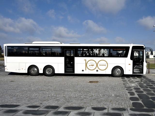 Туристический автобус Scania OmniExpress 3.20 6x2. 2011 год
