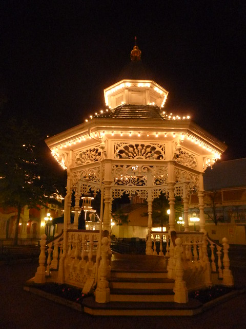Town Square gazebo at, Panasonic DMC-SZ1