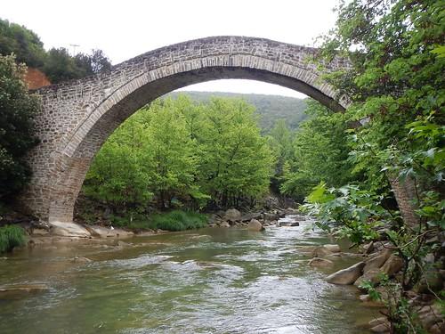 griechenland greece steinbrücke fluss brücke stonebridge