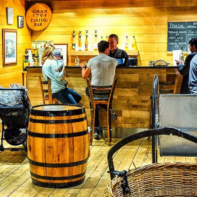 The Tasting Bar at Oban Distillery #tastingbar #obandistillery #oban #distillery #whisky #bar #visitorcentre #scotland #whiskytour #whiskygeek