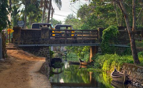 india kerala backwaters tuktuk brigde colors golden hour water goldenhour sunlight colours colour colorful landscape light nature trees theindiatree river