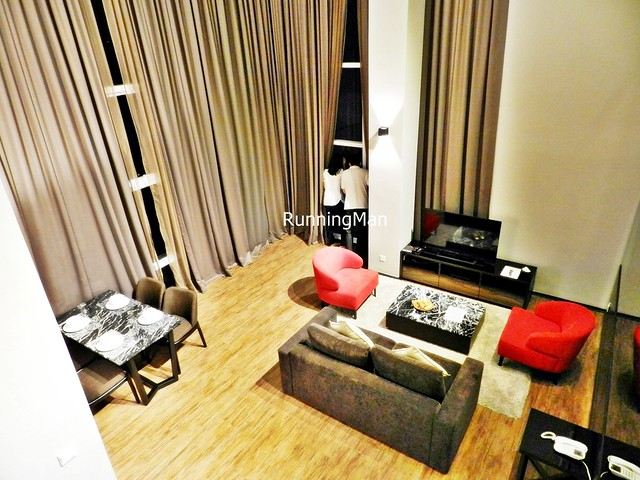 Maritime Waterfront Hotel 02 - Deluxe Suite Living & Dining Room