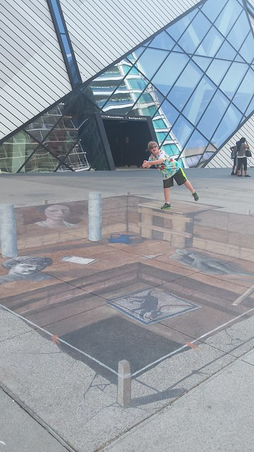 #ROMpei : a sidewalk art installation to celebrate their Pompeii exhibit