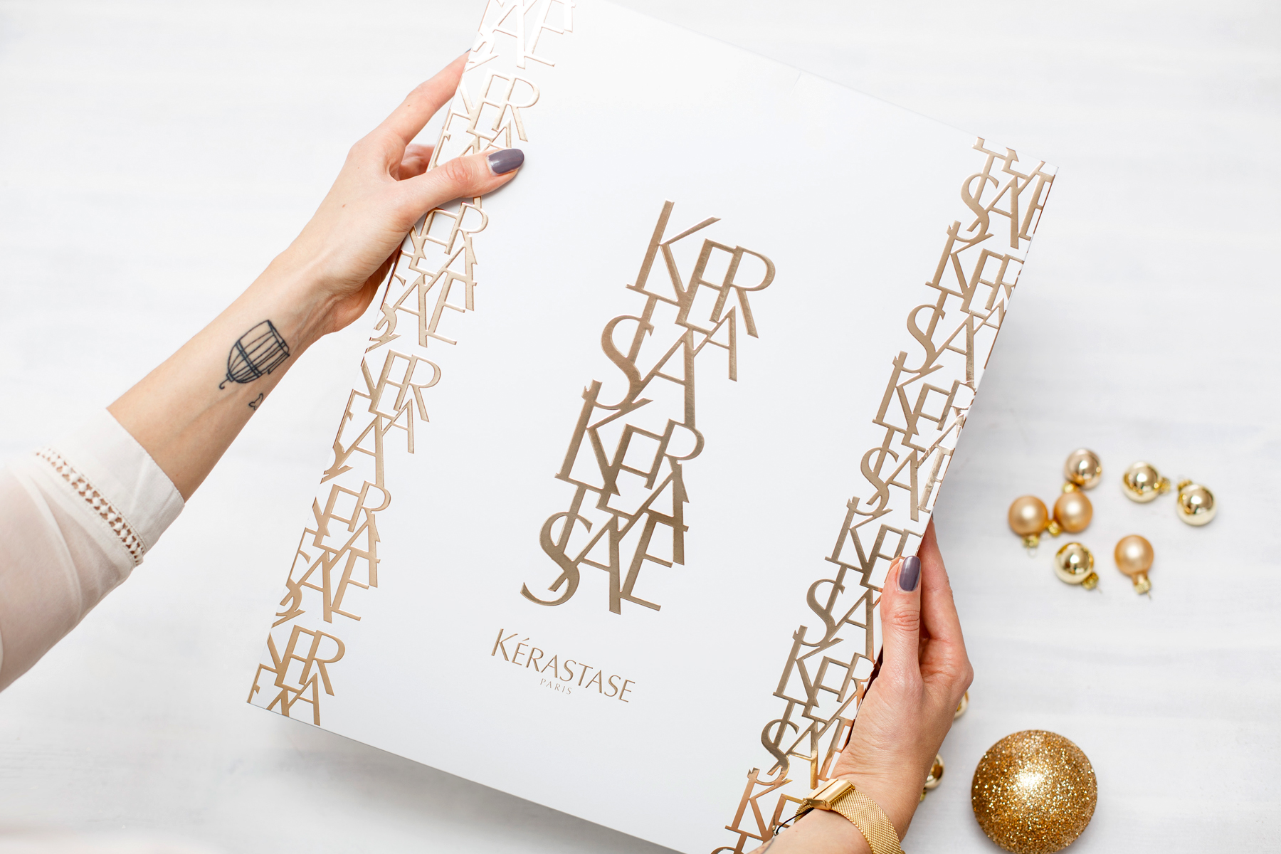 kérastase adventskalender advent calendar golden christmas shiny luxury hair care haircare beautyblogger white christmas winter look beautiful glamorous geschenk gift cats & dogs fashionblog ricarda schernus beauty blogger 4