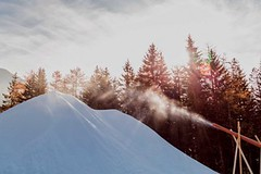 Továrna na sníh Snowfactory – technický sníh ivpůli léta?