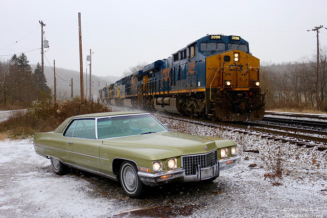 1971 Cadillac Coupe de Ville, Canon EOS REBEL T5I, Canon EF-S 18-55mm f/3.5-5.6 IS STM