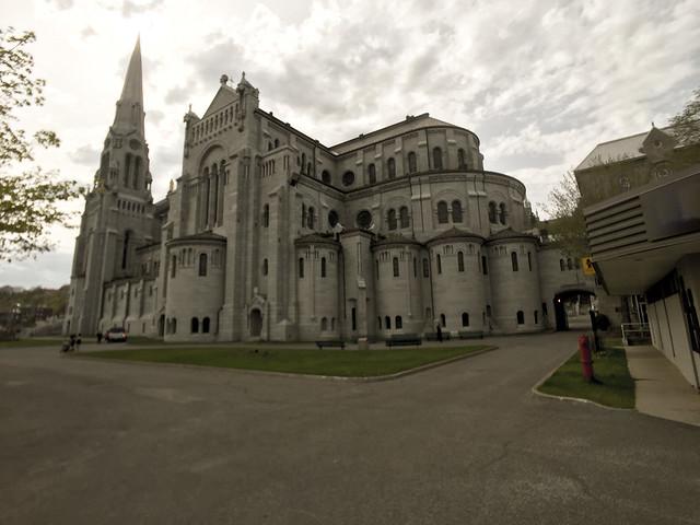 Featured medium photo of Sainte-Anne-de-Beaupré on TripHappy's travel guide