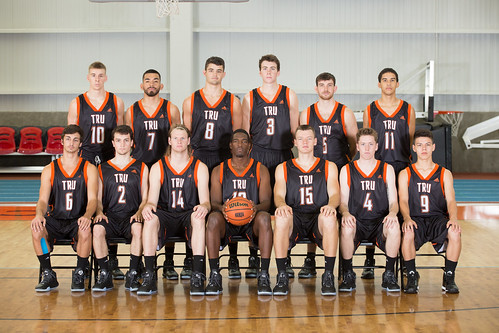 2015-16 MBB team shot (Snucins)
