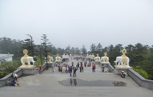 CH-Emeishan-jr2-Sommet d'or-Descente (1)