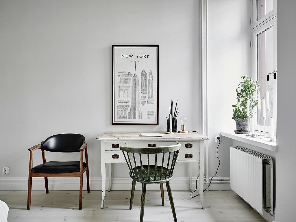 10-desk-workspace