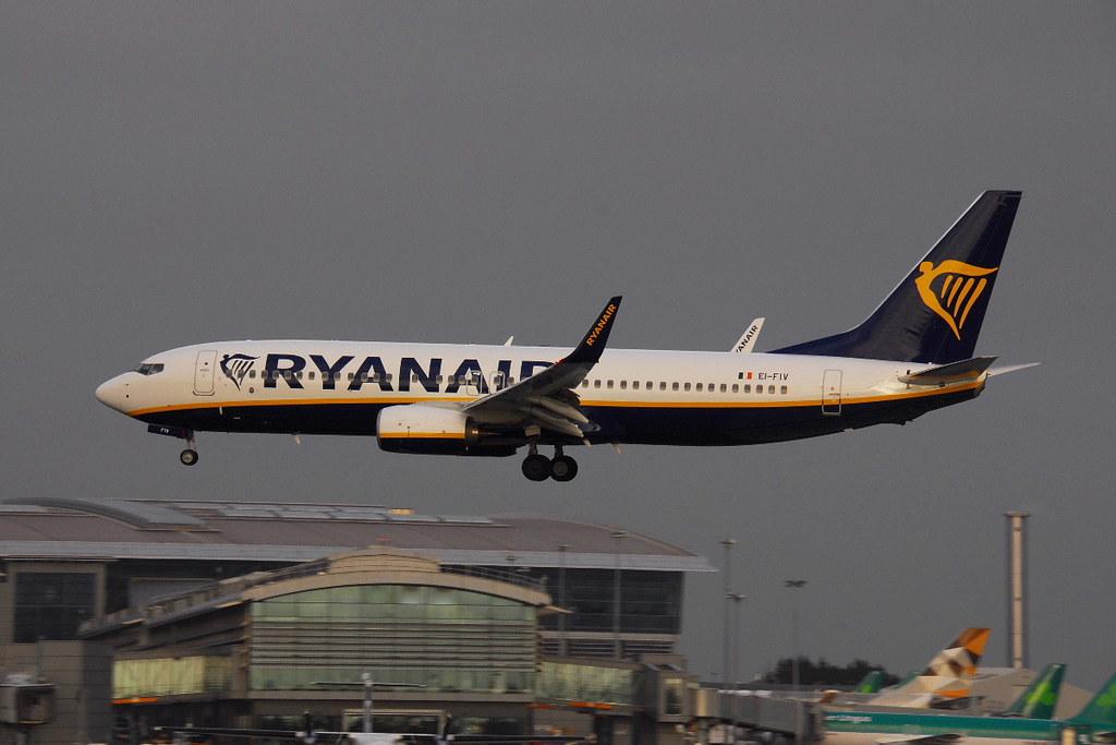 EI-FIV - B738 - Ryanair