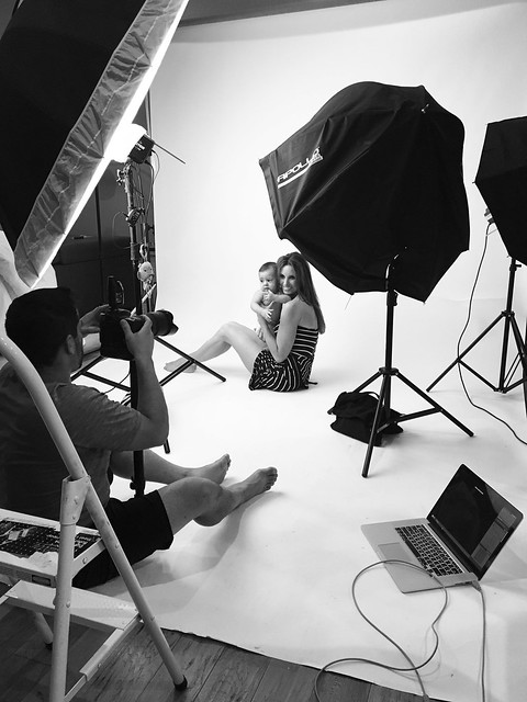 Behind the scenes from yesterday's baby photo session at the studio #baby #photoshoot #bts #behindthescenes #rollofilm #flashes #lights #whitebackground #nikon #mac #tethered