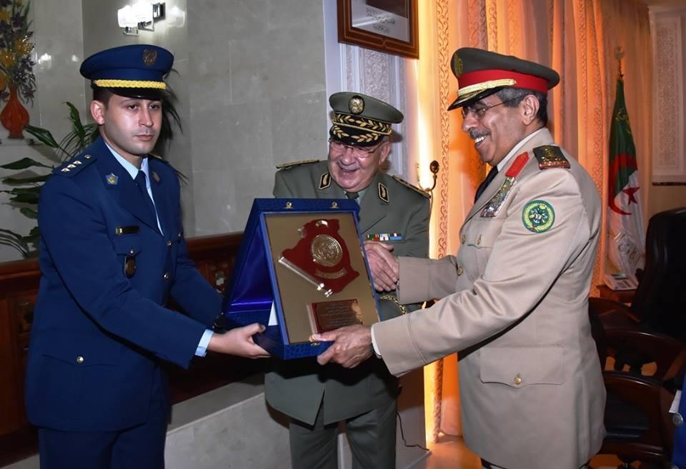 الجزائر : صلاحيات نائب وزير الدفاع الوطني - صفحة 5 30664512222_7c1040744a_o
