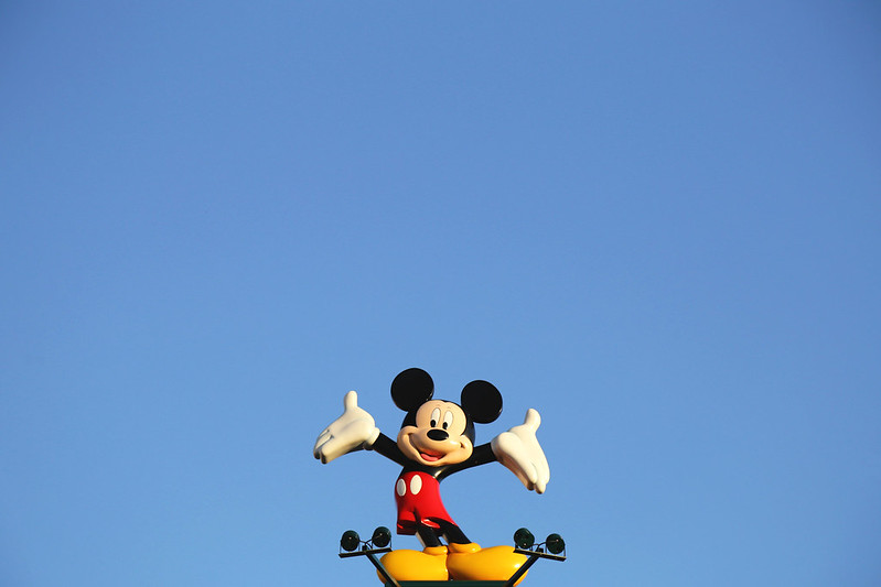 mickey-mouse-disneyland-paris