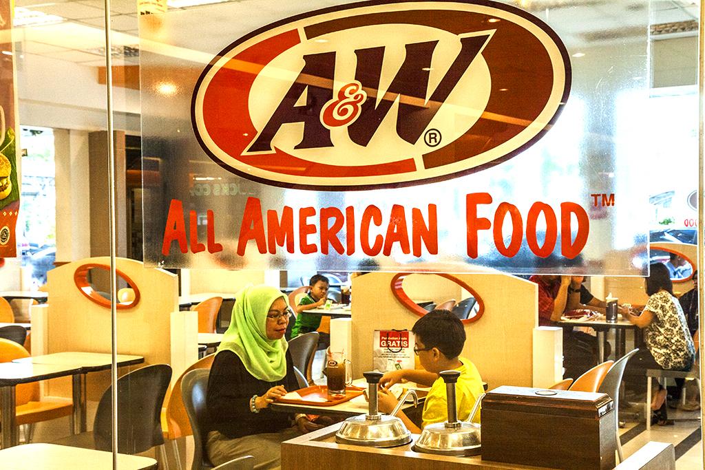 A n W ALL AMERICAN FOOD--Batam