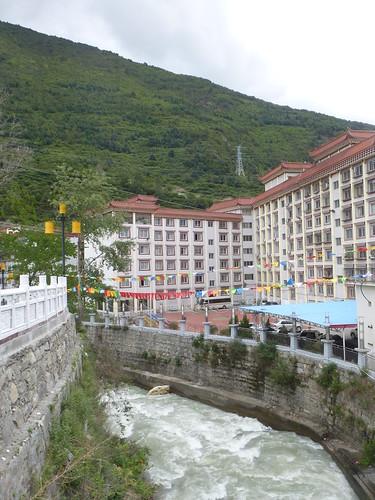 CH-Kangding-Centre-ville-Rivière (5)