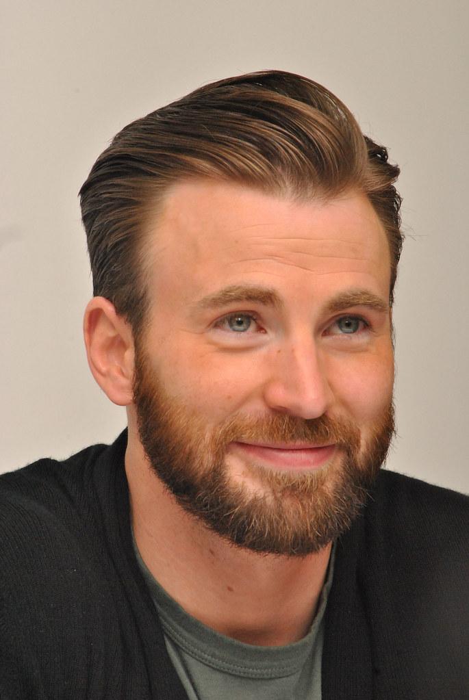 Крис Эванс — Пресс-конференция «Мстители: Эра Альтрона» 2015 – 55