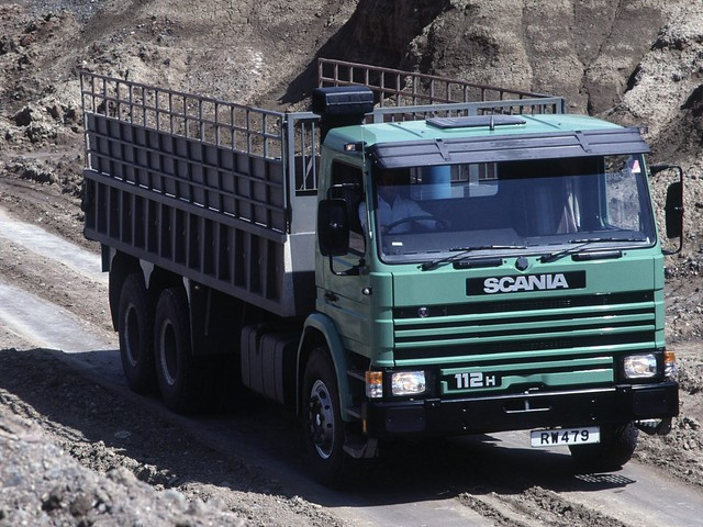 Грузовик Scania P112H 6x4 Tipper
