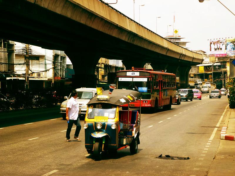 7 - Dans la jungle de Bangkok - 01 - Wisut Kasat