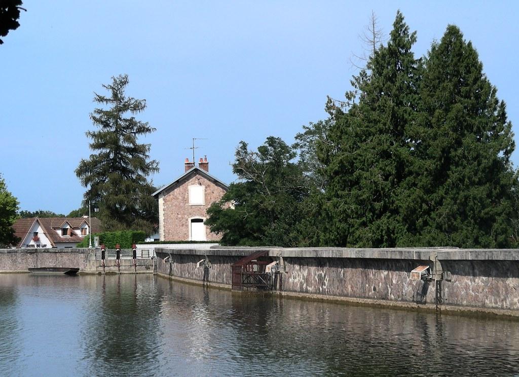 Lac De Pont En 2008 Commune De Pont Et Massene Pres De