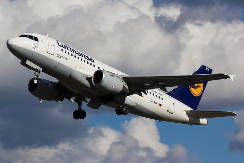 Lufthansa - A319 - D-AIBJ (1)