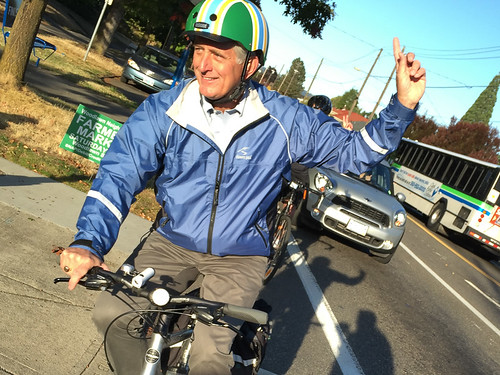 Mayor Hales bikes to work from Kenton-7.jpg