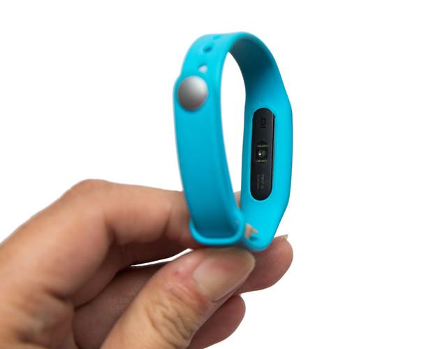 加上心跳偵測!新一代小米手環『光感版』開箱分享 @3C 達人廖阿輝