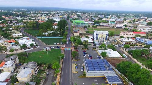Gobierno inaugura obras viales en Moca agilizarán tránsito