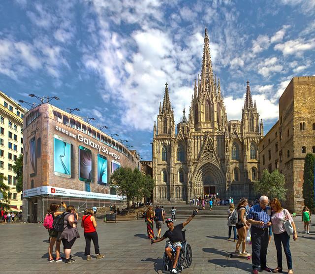 Catedral gotico de Barcelona y publicidad Samsung (2015)