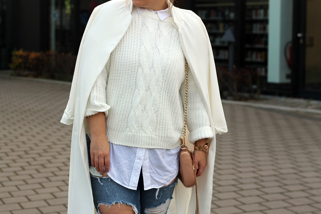 zara-jeans-weiß-pullover-strick-primark-jacke-outfit
