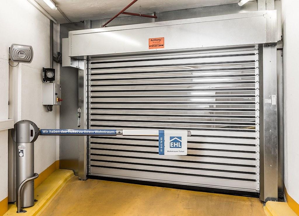 Швидкі надійні ворота для паркінгів SST Efaflex