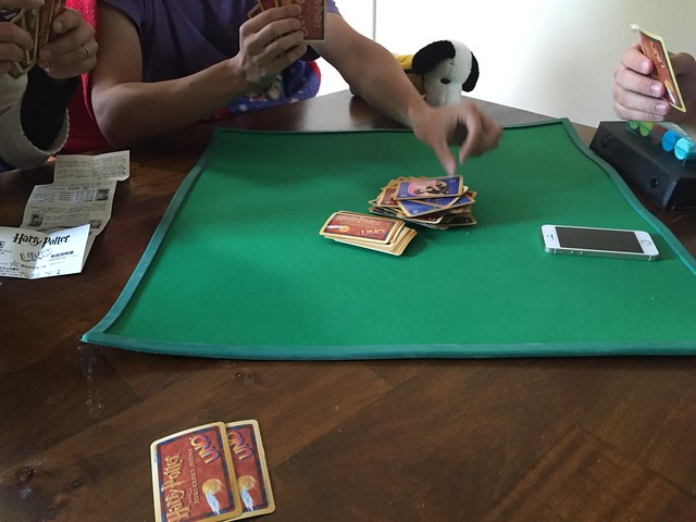 Playing UNO - Harry Potter