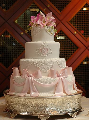 Cake by Icing Smiles, Inc.