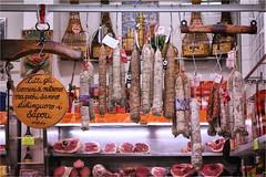 Modena, mercato Albinelli, salumi