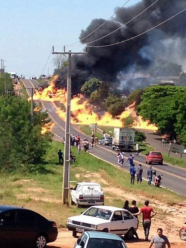 Incêndio na rodovia