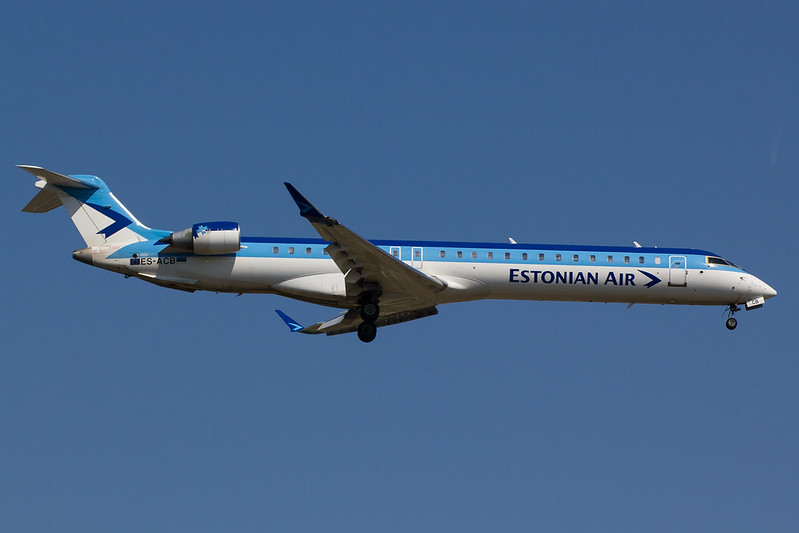 Estonian Air - CRJ9 - ES-ACB (1)
