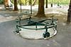 День 6. Женева и Швейцарская ривьера - тут же игровая площадка для детей. Больше всего мне понравился вот этот экспонат: