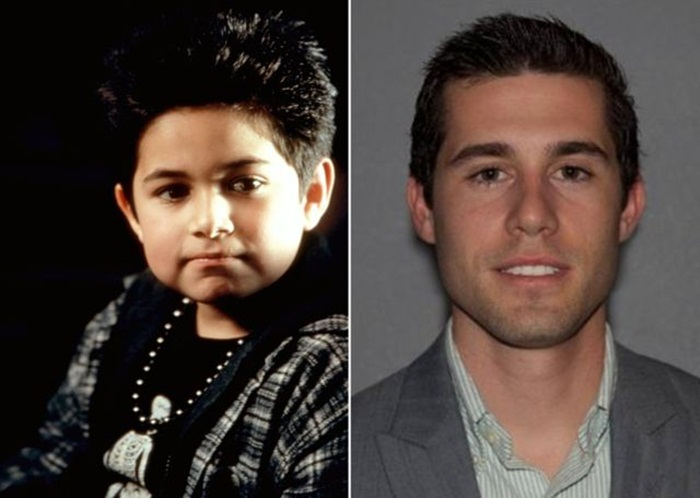 Alec Roberts เป็น Bobby Kriticos ลูกชายของ Arthur