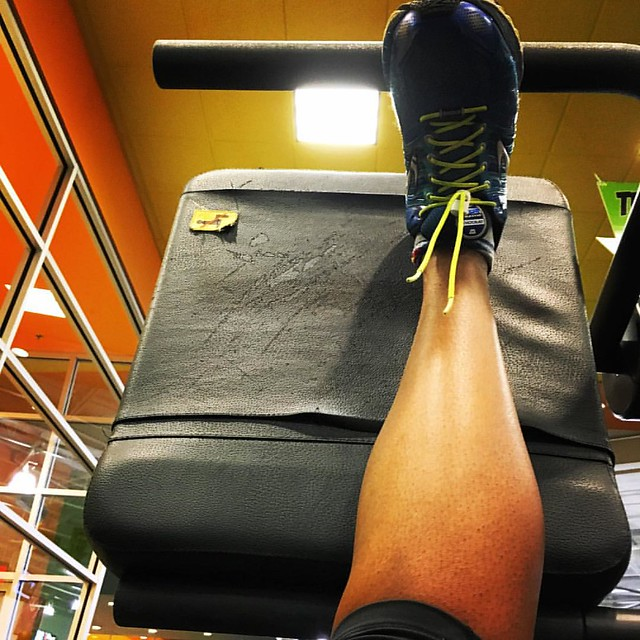 Just finished teaching my class and now I'm stretching. It's an important part of working out. Do you always stretch? #fitfam #fitfluential #sweatpink #holidaysweat #ffcheckin #webeatfat #weightloss #weightlossjourney #fitness