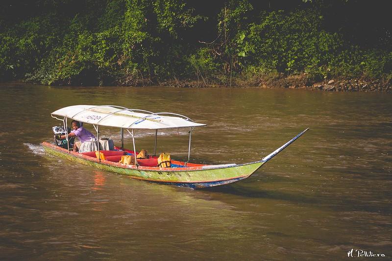 Cayuco en Kok River