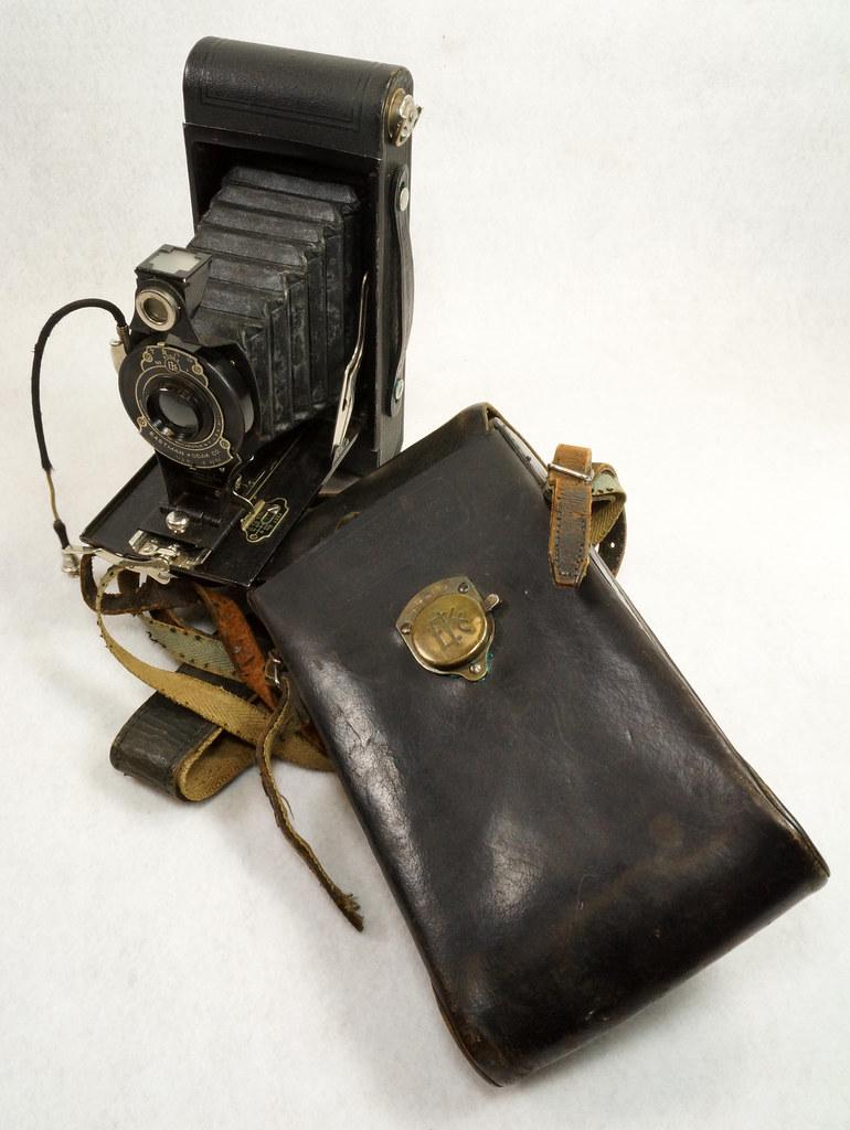 RD14615 Vintage Kodak Hawkeye No 2A Model B Folding Cartridge Camera with Leather Carry Case DSC06541