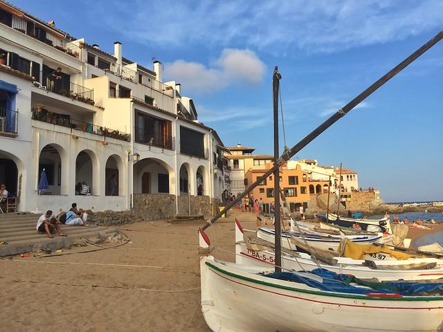 Calella de Palafrugell, uno de los pueblos a pie de playa más bonitos de la Costa Brava