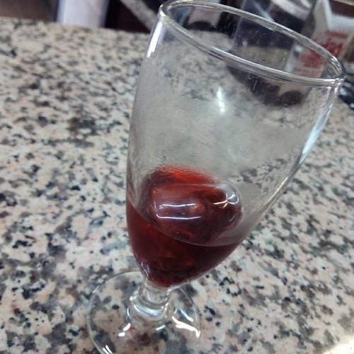 La copa medio bacía o medio llena.. Pero nunca es suficiente siempre quiero mas..