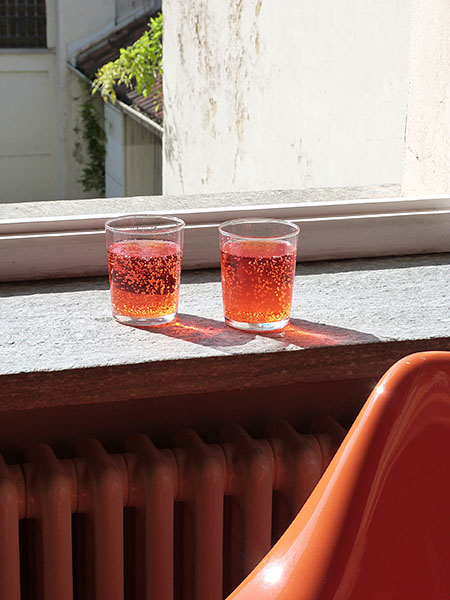 spritz et chaise orange
