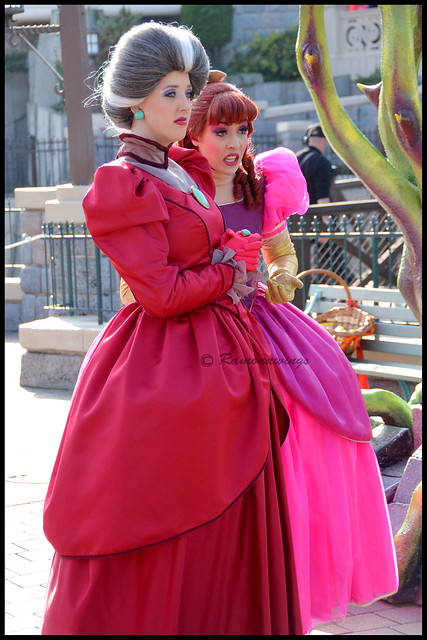 Lady Tremaine et Anatasie
