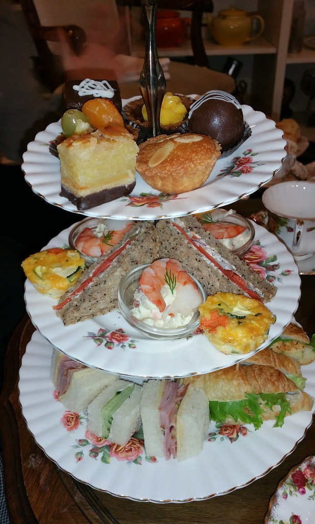 2015-Dec-20 Adonia - afternoon tea for 3 persons, main tray, picture 1 of 2