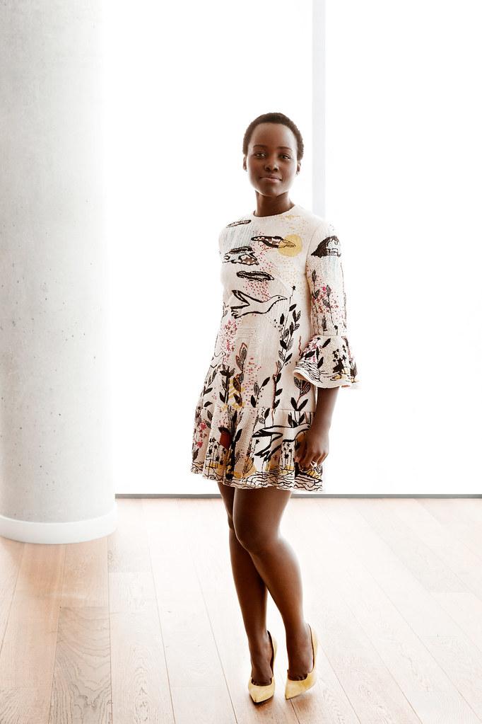 Люпита Нионго — Фотосессия для «Королева Катве» на «TIFF» 2016 – 5